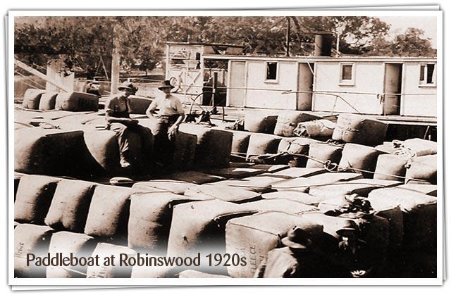 Paddleboat visits Robinswood 1920s